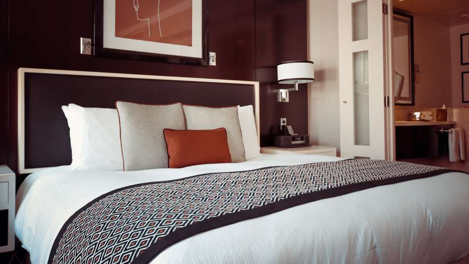 海外旅行先のホテルを予約する方法と気を付けたいポイント